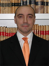 Dr. Miguel Carbonell